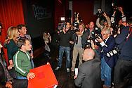 BUSSUM - In theater het Spant is de persviewing van The Voice Of Holland gehouden.  Met op de foto de hele groep vlnr Nick Schilder, Marco Borsato, Simon Keizer, Angela Groothuizen, Martijn Krabbe en Roel van Velzen. FOTO LEVIN DEN BOER - PERSFOTO.NU