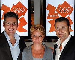 28-10-2011 PORTRET: LONDON CALLING: AMSTERDAM<br /> In het Amsterdamse DeLaMar theater werd de London calling sessie met oud Olympiers  gehouden / (L-R) Pieter van den Hoogenband, Ellen van Langen en Mark Huizinga<br /> ©2011-FotoHoogendoorn.nl