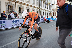 Ellen van Dijk (NED) roars into the finish area at UCI Road World Championships 2018 - Elite Women's ITT, a 27.7 km individual time trial in Innsbruck, Austria on September 25, 2018. Photo by Sean Robinson/velofocus.com