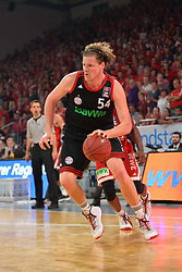 21.06.2015, Brose Arena, Bamberg, GER, Beko Basketball BL, Brose Baskets Bamberg vs FC Bayern Muenchen, Playoffs, Finale, 5. Spiel, im Bild John Bryant (FC Bayern Muenchen) am Ball // during the Beko Basketball Bundes league Playoffs, final round, 5th match between Brose Baskets Bamberg and FC Bayern Muenchen at the Brose Arena in Bamberg, Germany on 2015/06/21. EXPA Pictures &copy; 2015, PhotoCredit: EXPA/ Eibner-Pressefoto/ Merz<br /> <br /> *****ATTENTION - OUT of GER*****