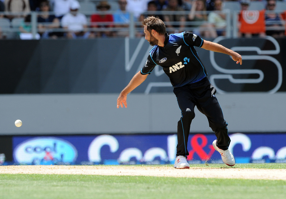 New Zealand's Grant Elliott deflects the ball to run out Pakistan's Mohammad Rizwan for 16 in the 3rd ODI International Cricket match at Eden Park, Auckland, New Zealand, Sunday, January 31, 2016. Credit:SNPA / Ross Setford
