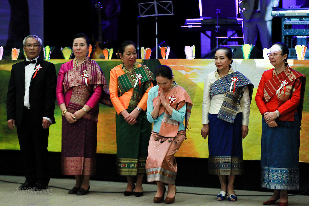 La 35 ieme édition du gala de l'association Luang Prabang renouvelle une mise en scène inédite avec de nouvelles couleurs et un nouveau ton : celui du président Phiraphanh Phounsavath.
