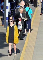 © Licensed to London News Pictures.23/04/2018<br /> NEW ELTHAM, UK.<br /> A sunny start to the day for London commuters at New Eltham train station.<br /> Photo credit: Grant Falvey/LNP