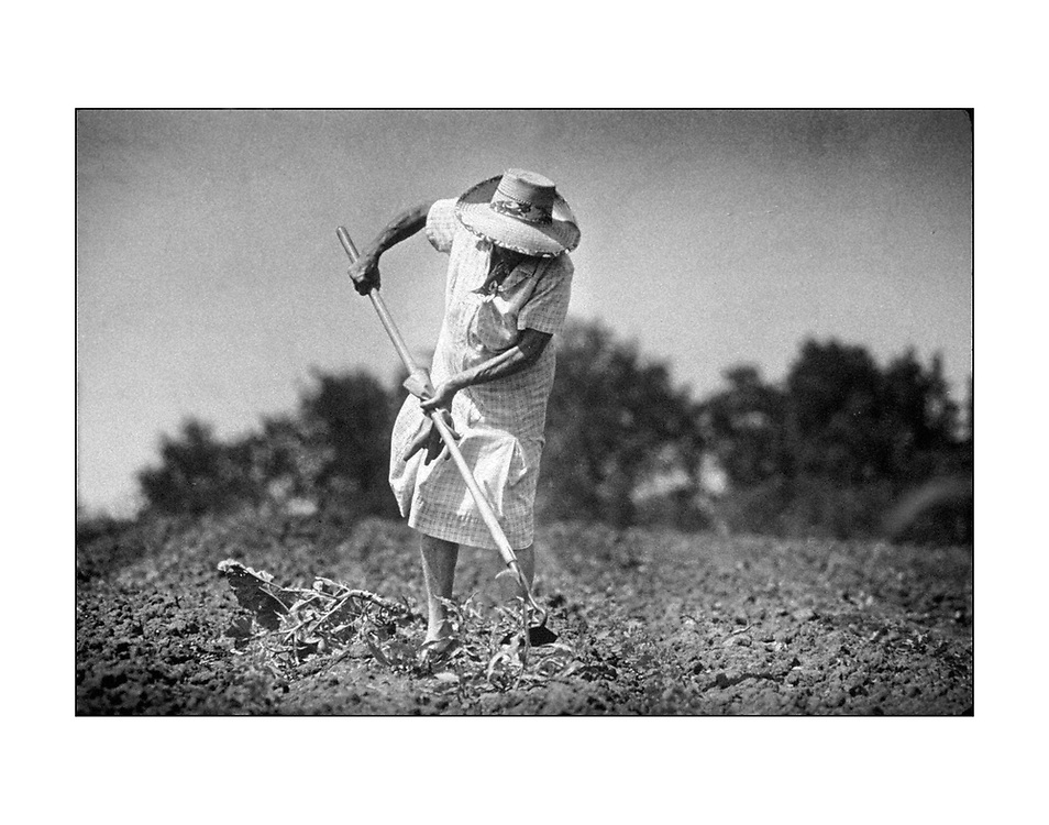 A farmers wife prepares for planting outside Lawrence , Kansas &copy;Ed Hille / Picturedesk.net<br /> ONE TIME USE ONLY