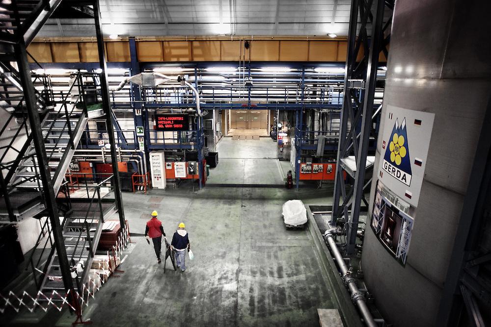 laboratori sotterranei Gran Sasso LNGS  Underground labs Gran Sasso LNGS