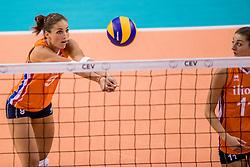 26-05-2017 NED: Nederland - Italie, Apeldoorn<br /> Kick off voor het Nederlands vrouwenteam begon met een oefenwedstrijd in Apeldoorn. Italië werd met 3-1 verslagen / Myrthe Schoot #9
