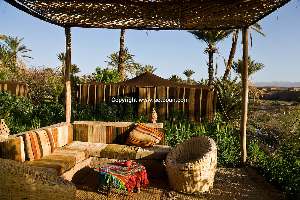 Morroco  south , Tasselmant - , Nomad  camp in Tasselmant , in a oasis garden near Ouarzazate / camp nomade de Tasselmant, avec tentes caidales; dans un jardin oasis au sud de Ouarzazate  Tasselmant - Maroc