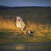 Dynjandi einnig nefnd Fjallfoss, Arnarfjörður, Ísafjarðarbær áður Auðkúluhreppur /  Dynjandi also refered to as Fjallfossin Arnarfjördur, Isafjardarbaer former Audkuluhreppur.