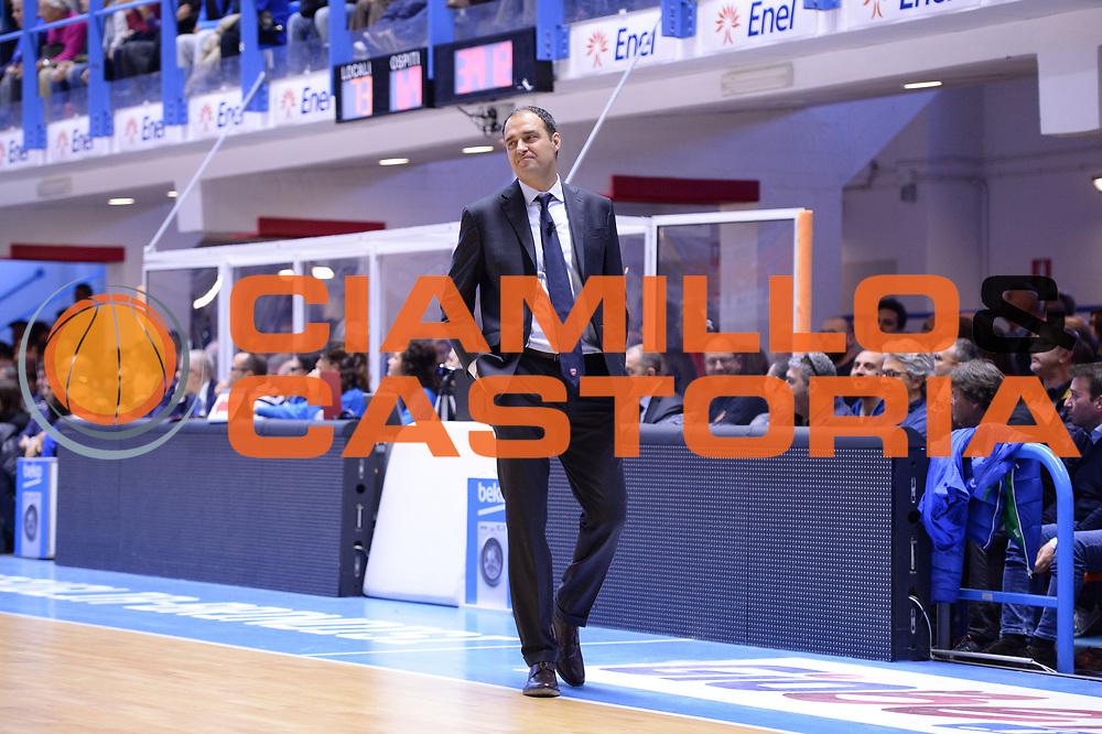 DESCRIZIONE : Brindisi  Lega A 2015-16<br /> Enel Brindisi Openjobmetis Varese<br /> GIOCATORE : Paolo Moretti<br /> CATEGORIA : Allenatore Coach Ritratto Delusione<br /> SQUADRA : Openjobmetis Varese<br /> EVENTO : Campionato Lega A 2015-2016<br /> GARA :Enel Brindisi Openjobmetis Varese<br /> DATA : 29/11/2015<br /> SPORT : Pallacanestro<br /> AUTORE : Agenzia Ciamillo-Castoria/M.Longo<br /> Galleria : Lega Basket A 2015-2016<br /> Fotonotizia : Brindisi  Lega A 2015-16 Enel Brindisi Openjobmetis Varese<br /> Predefinita :