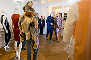 Staatsbezoek aan Frankrijk dag 2 - Maxima bij Future Fashion Practices<br /> <br /> State Visit to France Day 2 - Maxima at Future Fashion Practices<br /> <br /> Op de foto / On the photo:  Finale Masterclass Mode 'Future Fashion Practices' op het Atelier Néerlandais<br /> <br /> Final Master Mode 'Future Fashion Practices at the Atelier Anglais