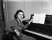 1953 - Marcelle Kodicek, Pianist