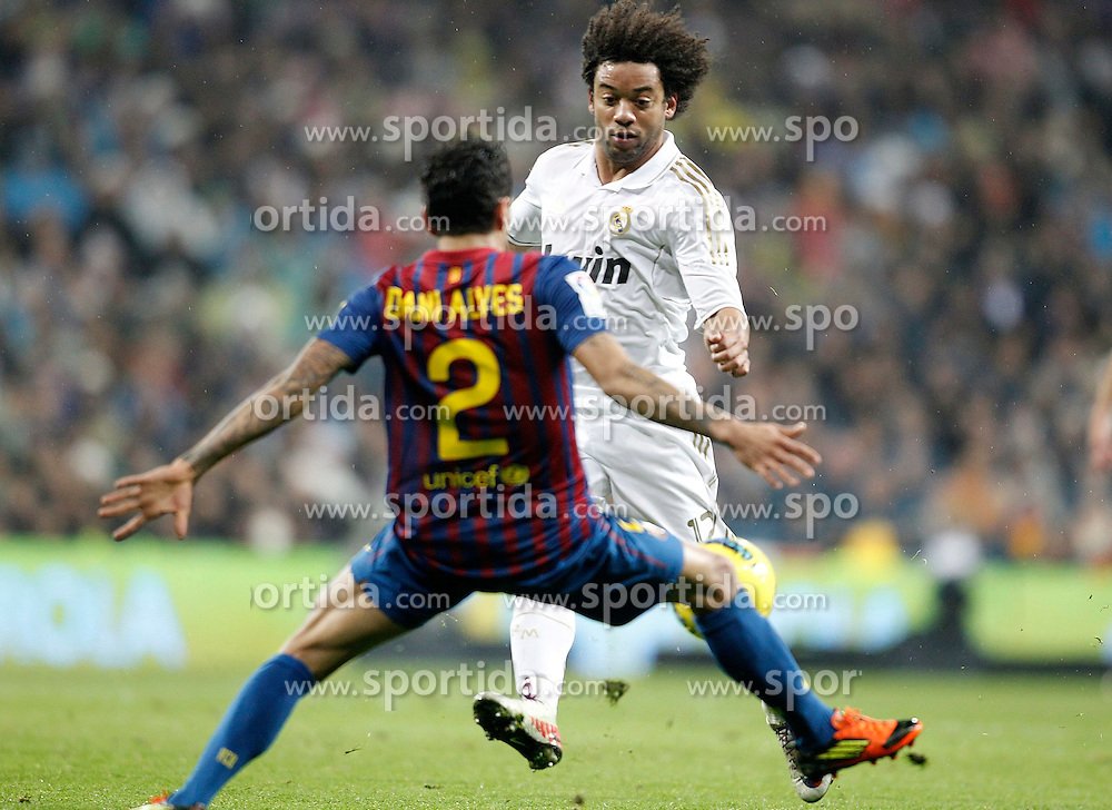 10.12.2011, Santiago Bernabeu Stadion, Madrid, ESP, Primera Division, Real Madrid vs FC Barcelona, 15. Spieltag, im Bild Real Madrid's Marcelo and Barcelona's Daniel Alves // during the football match of spanish 'primera divison' league, 15th round, between Real Madrid and FC Barcelona at Santiago Bernabeu stadium, Madrid, Spain on 2011/12/10. EXPA Pictures © 2011, PhotoCredit: EXPA/ Alterphotos/ Alvaro Hernandez..***** ATTENTION - OUT OF ESP and SUI *****