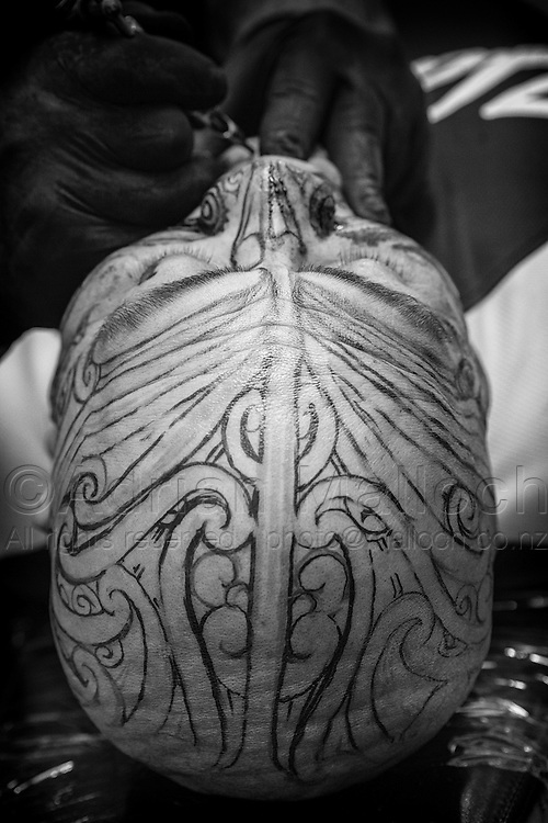 Roger Te Tai receives his ta moko; a traditional Māori face and head tattoo, at Native Inc in Whangarei.<br />