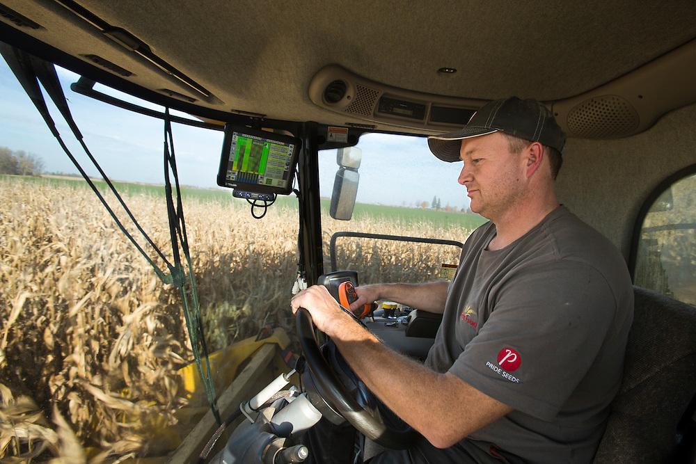 Ralph Kuebler harvests corn near Ilderton, Ontario, Tuesday, November 1, 2016.<br /> Farmers Forum/ Geoff Robins