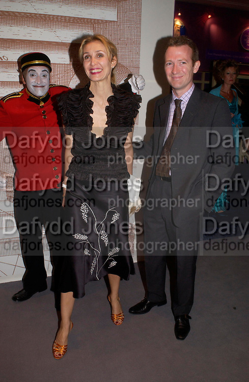 Allegra and Ashley Hicks. The Grosvenor House Art and Antiques Fair charity Gala evening in aid of the NSPCC. 16 June2005. ONE TIME USE ONLY - DO NOT ARCHIVE  © Copyright Photograph by Dafydd Jones 66 Stockwell Park Rd. London SW9 0DA Tel 020 7733 0108 www.dafjones.com