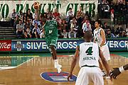 DESCRIZIONE : Treviso Lega A1 2006-07 Benetton Treviso Montepaschi Siena <br /> GIOCATORE : Goree Passaggio Baseball <br /> SQUADRA : Benetton Treviso<br /> EVENTO : Campionato Lega A1 2006-2007 <br /> GARA : Benetton Treviso Montepaschi Siena <br /> DATA : 22/04/2007 <br /> CATEGORIA : Tecnica Passaggio <br /> SPORT : Pallacanestro <br /> AUTORE : Agenzia Ciamillo-Castoria/M.Marchi