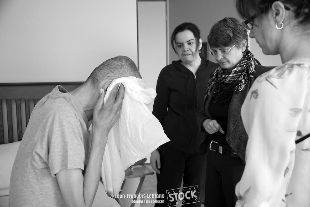 Docteur Geneviève Dechêne. CLSC de Verdun,.L'Actualité.release 1 patient: German Gil  linamarialvarez@hotmail.com.Infirmière Isabelle Pageau isabelle_pageau@hotmail.com  Lina Maria Alvarez