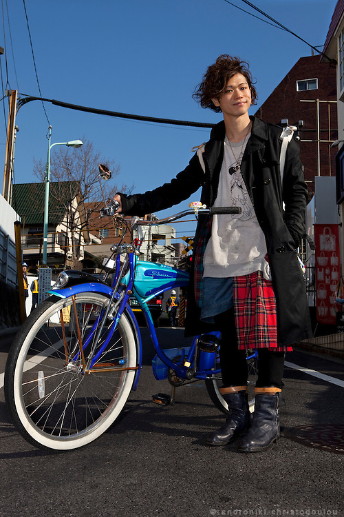 Takeo Yoshida (27). He works as a shop manager of a sup-curry restaurant in Shibuya, Tokyo. He creates his own style and he is very comfortable wearing even skirts designed for men.