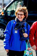 HEERENVEEN - Prinses Margriet op het ijs van Thialf Heerenveen tijdens De Hollandse 100. Het doel van dit sportieve evenement is het ophalen van geld voor onderzoek naar lymfklierkanker. ANP ROYAL IMAGES ROBIN UTRECHT