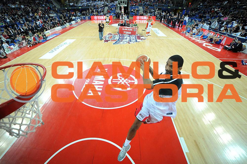 DESCRIZIONE : Pesaro Edison All Star Game 2012<br /> GIOCATORE : James White<br /> CATEGORIA : gara schiacciata schiacciate special dunk contest<br /> SQUADRA : Italia Nazionale Maschile All Star Team<br /> EVENTO : All Star Game 2012<br /> GARA : Italia All Star Team<br /> DATA : 11/03/2012 <br /> SPORT : Pallacanestro<br /> AUTORE : Agenzia Ciamillo-Castoria/C.De Massis<br /> Galleria : FIP Nazionali 2012<br /> Fotonotizia : Pesaro Edison All Star Game 2012<br /> Predefinita :