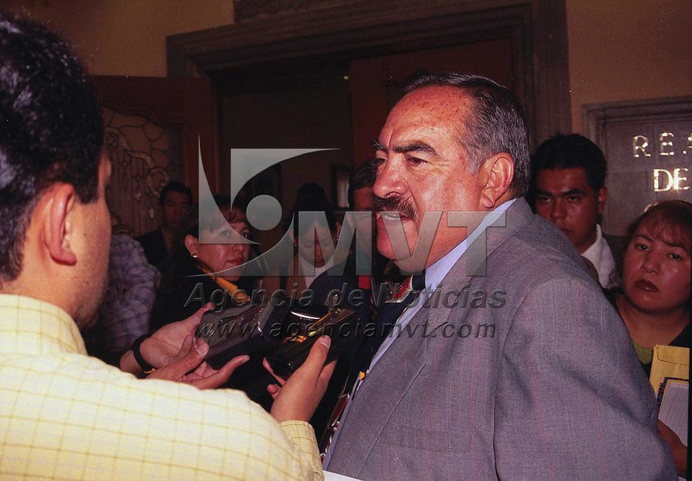 Toluca, M&eacute;x.- El Candidato por el PRI Estatal, Enrique Gazca, se postula a la dirigencia de la CNOP. Agencia MVT / Marure. (FILM)<br /> <br /> NO ARCHIVAR - NO ARCHIVE