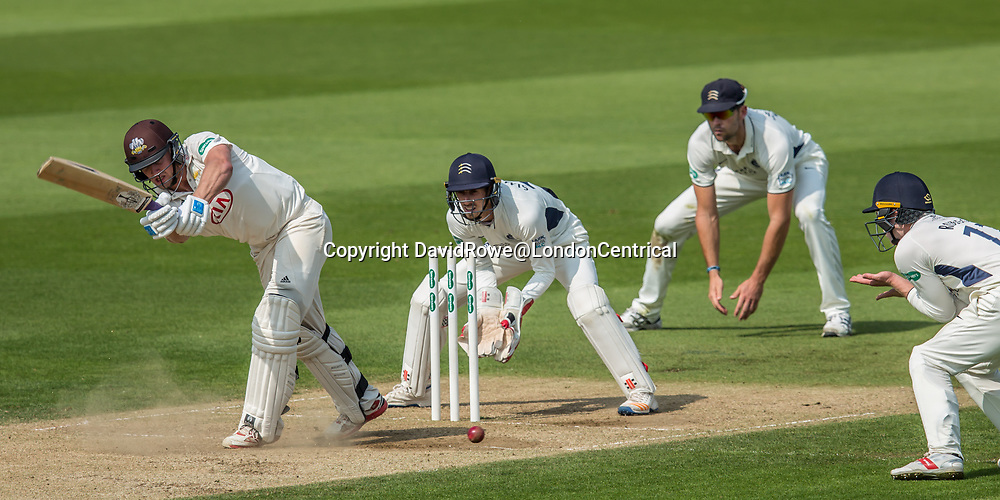 London,UK. 29 August 2017. Nightwatchman Stuart Meaker batting for Surrey against Middlesex at the Oval on day two of the Specsaver County Championship match at the Oval. David Rowe/ Alamy Live News