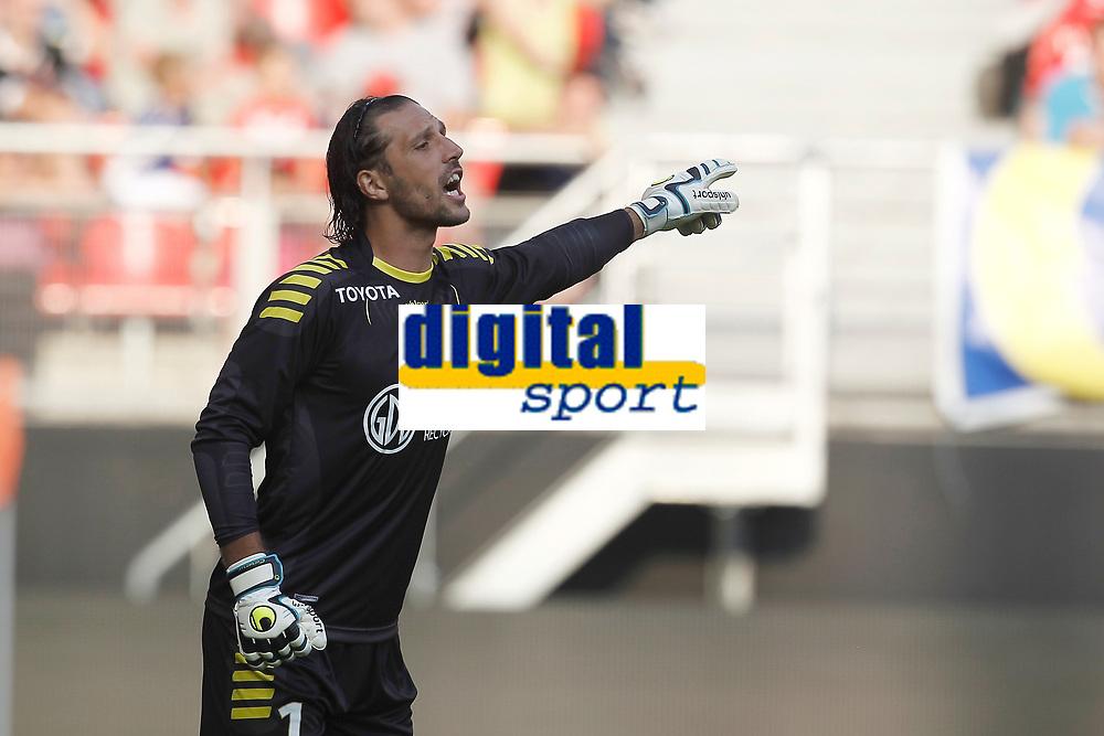 FOOTBALL - FRIENDLY GAMES 2012/2013 - VALENCIENNES FC v STADE DE REIMS - 28/07/2011 - PHOTO CHRISTOPHE ELISE / DPPI - NICOLAS PENNETEAU (VALENCIENNES FC)