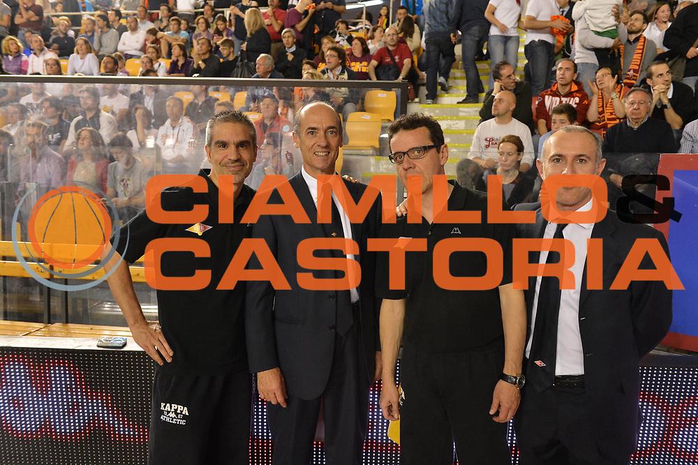 DESCRIZIONE : Roma Lega A 2012-2013 Acea Roma Lenovo Cant&ugrave; playoff semifinale gara 2<br /> GIOCATORE : Staff Medico<br /> CATEGORIA : <br /> SQUADRA : Acea Roma<br /> EVENTO : Campionato Lega A 2012-2013 playoff semifinale gara 2<br /> GARA : Acea Roma Lenovo Cant&ugrave;<br /> DATA : 27/05/2013<br /> SPORT : Pallacanestro <br /> AUTORE : Agenzia Ciamillo-Castoria/GiulioCiamillo<br /> Galleria : Lega Basket A 2012-2013  <br /> Fotonotizia : Roma Lega A 2012-2013 Acea Roma Lenovo Cant&ugrave; playoff semifinale gara 2<br /> Predefinita :