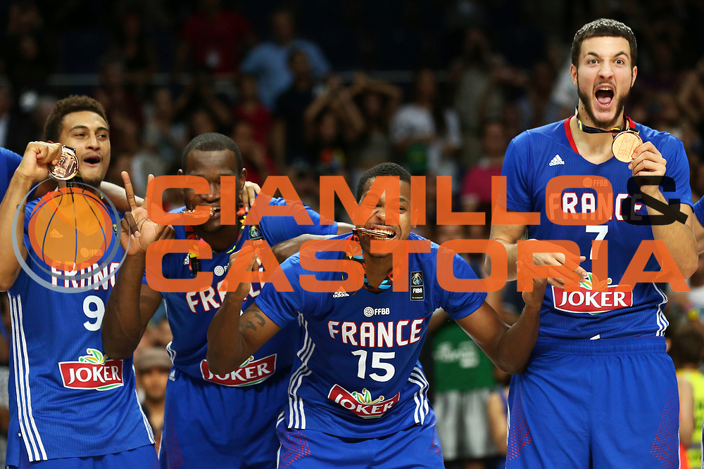 DESCRIZIONE : Madrid FIBA Basketball World Cup Spain 2014 3rd Place Lituania Francia Lithuania France<br /> GIOCATORE : Edwin JACKSON Mickael GELABALE Joffrey LAUVERGNE<br /> CATEGORIA : <br /> SQUADRA : Francia France<br /> EVENTO : FIBA Basketball World Cup Spain 2014<br /> GARA :  Lituania Francia Lithuania France<br /> DATA : 13/09/2014<br /> SPORT : Pallacanestro <br /> AUTORE : Agenzia Ciamillo-Castoria/ElioCastoria<br /> Galleria : FIBA Basketball World Cup Spain 2014<br /> Fotonotizia : Madrid FIBA Basketball World Cup Spain 2014 3rd Place Lituania Francia Lithuania France