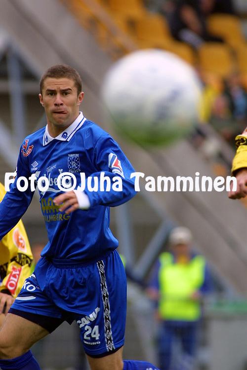 08.09.2001 Tampere, Finland. Veikkausliiga, Tampere United v Kuopion Palloseura. Noah Hickey (TreU)..©JUHA TAMMINEN