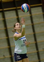 14-12-2013 VOLLEYBAL: SLIEDRECHT SPORT - VC SNEEK: SLIEDRECHT<br /> Sliedrecht Sport wint met 3-0 van Sneek / Esther van Berkel<br /> &copy;2013-FotoHoogendoorn.nl