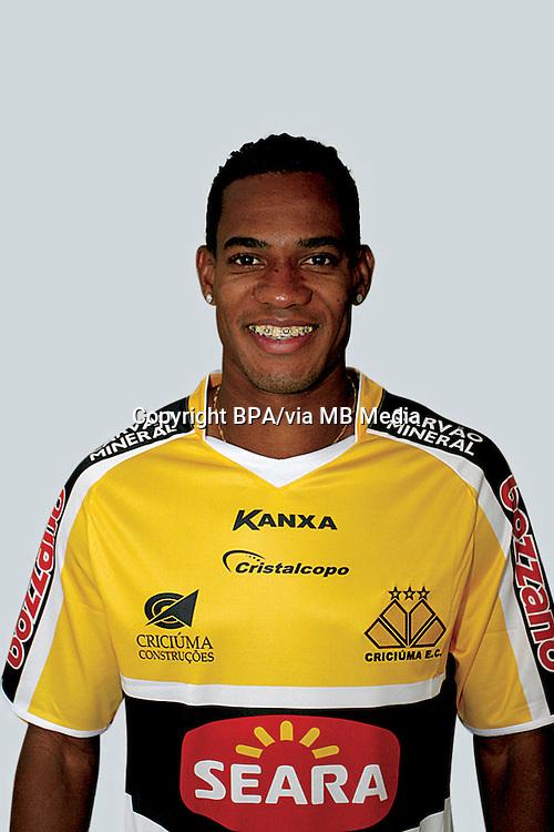 LINS LIMA DE BRITO  ( Criciuma Esporte Clube )