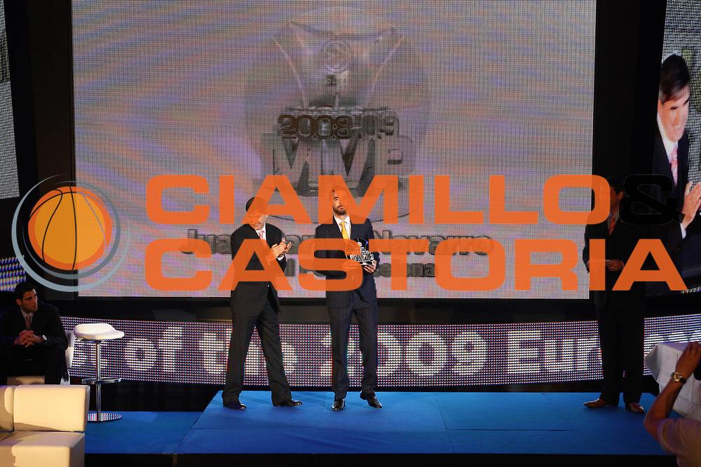 DESCRIZIONE : Berlino Eurolega 2008-09 Final Four Euroleague Gala Dinner Cena di Gala Basketball Awards Ceremony<br /> GIOCATORE : juan carlos navarro<br /> SQUADRA : <br /> EVENTO : Eurolega 2008-2009<br /> GARA :<br /> DATA : 02/05/2009<br /> CATEGORIA : Ritratto Premiazione<br /> SPORT : Pallacanestro<br /> AUTORE : Agenzia Ciamillo-Castoria/G.Ciamillo