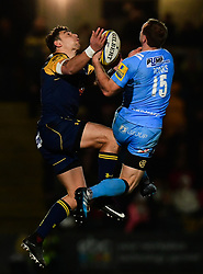Bryce Heem of Worcester Warriors compete with Greig Tonks of London Irish in the air  - Mandatory by-line: Alex Davidson/JMP - 22/12/2017 - RUGBY - Sixways Stadium - Worcester, England - Worcester Warriors v London Irish - Aviva Premiership