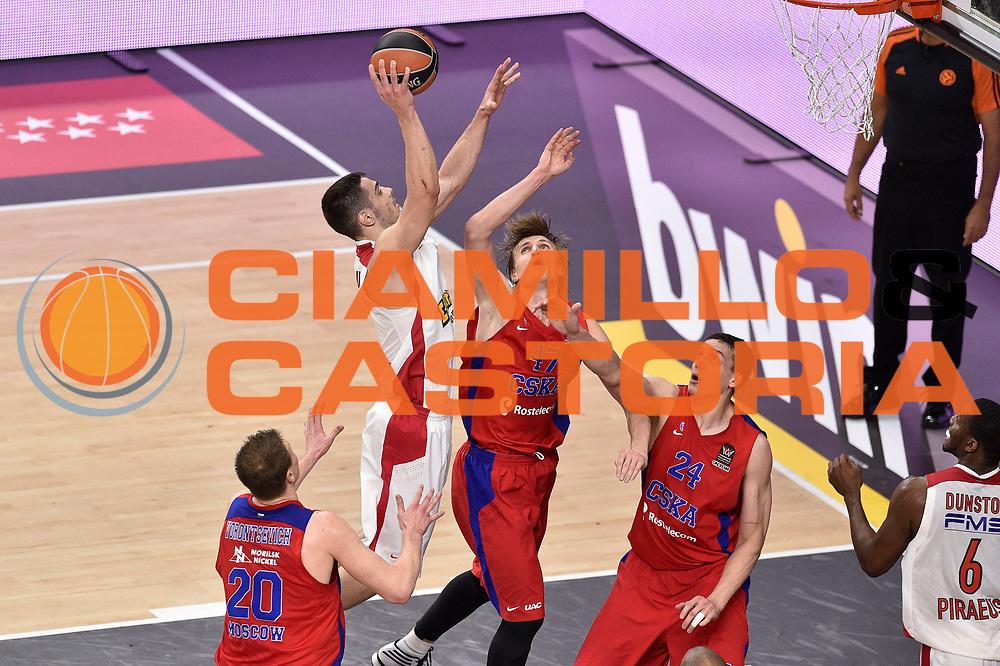 DESCRIZIONE : Madrid Eurolega Euroleague 2014-15 Final Four Semifinal Semifinale Cska Moscow Olympiacos Piraeus Athens Cska Mosca Olympiacos Atene <br /> GIOCATORE : Ioannis Papapetrou<br /> SQUADRA : Olympiacos Atene<br /> CATEGORIA : tiro<br /> EVENTO : Eurolega 2014-2015<br /> GARA : Cska Mosca Olympiacos Atene<br /> DATA : 15/05/2015<br /> SPORT : Pallacanestro<br /> AUTORE : Agenzia Ciamillo-Castoria/GiulioCiamillo<br /> Galleria : Eurolega 2014-2015<br /> DESCRIZIONE : Madrid Eurolega Euroleague 2014-15 Final Four Semifinal Semifinale Cska Moscow Olympiacos Piraeus Athens Cska Mosca Olympiacos
