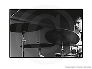Berlin, DEU, 16.06.1991: Paul Lovens (d, perc) - Schlippenbach Trio - Physics, Evan Parker (ss, ts); Alex Schlippenbach (p); Paul Lovens (d, perc) - June 16, 1991, Workshop Freie Musik, Akademie der Kuenste, Berlin - Workshop Freie Musik Berlin 1991, Free Music Production FMP, SCHILKE_1991061607271500  [ Photo-copyright: Detlev Schilke, Postfach 350802, 10217 Berlin, Germany, Mobile: +49 (0)170 3110119, www.detschilke.de - Jegliche Nutzung nur gegen Honorar nach MFM, Urhebernachweis nach Par. 13 UrhG und Belegexemplare. Only editorial use, advertising after agreement! Eventuell notwendige Einholung von Rechten Dritter wird nicht zugesichert, falls nicht anders vermerkt. AGB/TERMS: http://www.detschilke.de/terms.html ]