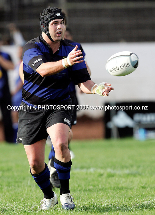 Ponsonby's Brett Williams passes during the Premier Club Rugby Union match between Ponsonby and University at Western Springs Stadium, Auckland, New Zealand on Saturday 12 May 2007. Ponsonby won the match 77 - 0. Photo: Hagen Hopkins/PHOTOSPORT<br />