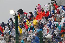 Motorsports / Formula 1: World Championship 2010, GP of Japan, fans, rain, Regen, Wetter, Schauer