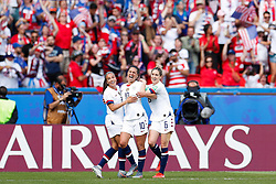 2019?6?17?.   ???????????——F??????????.    6?16?????????????Carli Lloyd () of the United States????????????.   ?????????????????2019??????????F??????????3?0??????.   ?????????..SP-FRANCE-PARIS-FIFA WOMEN'S WORLD CUP-GROUP F-USA-CHILE.(1906017) -- PARIS, June 17, 2019  Carli Lloyd (C) of the United States celebrates her second goal with teammates during the Group F match between the United States and Chile at the 2019 FIFA Women's World Cup in Parc des Princes in Paris, France, June 16, 2019.  The United States won 3-0. (Credit Image: © Xinhua via ZUMA Wire)