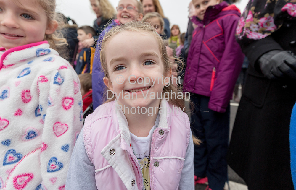 Repro Free no charge for repro<br /> 29-11-14<br /> Ciara Byrne aged 4 from Bagenalstown Co. Carlow watches as Santa arrives to the Arboretum &quot; Your Home and Garden Heaven&quot; in Carlow over the weekend.<br /> <br /> <br />  Picture Dylan Vaughan.