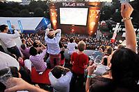GEPA-2906087386A - WIEN,AUSTRIA,29.JUN.08 - FUSSBALL - UEFA Europameisterschaft, EURO 2008, Host City Fan Zone, Fanmeile, Fan Meile, Public Viewing. Bild zeigt den Blick von der Summer-Lounge vom Bank Austria UniCredit Group Tower auf die Anzeigentafel vom Heldenplatz.<br />Foto: GEPA pictures/ Reinhard Mueller