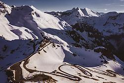 THEMENBILD - Fuschertörl und die Serpentinen in der Abendsonne. Die Grossglockner Hochalpenstrasse verbindet die beiden Bundeslaender Salzburg und Kaernten und ist als Erlebnisstrasse vorrangig von touristischer Bedeutung, aufgenommen am 02. Juni 2019 in Fusch a. d. Grossglocknerstrasse, Österreich // Fuschertörl and the serpentines in the evening sun. The Grossglockner High Alpine Road connects the two provinces of Salzburg and Carinthia and is as an adventure road priority of tourist interest, Fusch a. d. Grossglocknerstrasse, Austria on 2019/06/02. EXPA Pictures © 2019, PhotoCredit: EXPA/ JFK