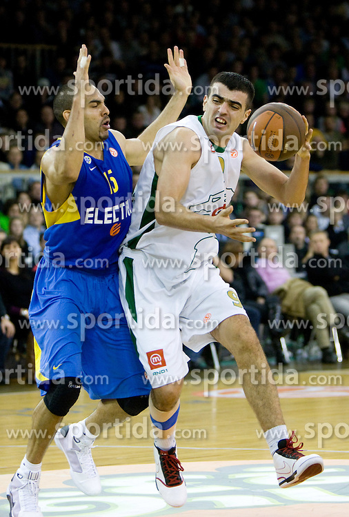 David Bluthenthal of Maccabi and Edin Bavcic (9) of Olimpija  at Euroleague basketball match in 6th Round of Group C between KK Union Olimpija and Maccabi Tel Aviv, on December 3, 2009, in Arena Tivoli, Ljubljana, Slovenia. (Photo by Vid Ponikvar / Sportida)