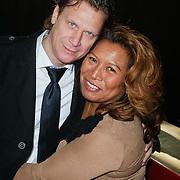 NLD/Hilversum/20111115 - Boekpresentatie Zangeres Zonder Naam van Ben Holthuis, Justine Pelmelay en partner