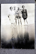 happy beach moment 1900s