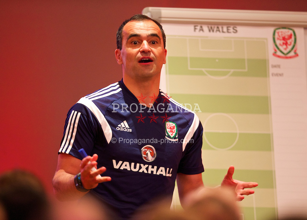 CHEPSTOW, WALES - Friday, May 23, 2014: Everton manager Roberto Martinez gives a presentation during the Football Association of Wales' National Coaches Conference 2014 at the St. Pierre Marriott Hotel & Country Club. (Pic by David Rawcliffe/Propaganda)
