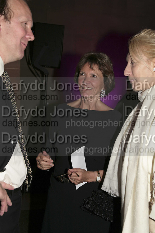 Joan Bakewell, Turner Prize 2006. Tate Gallery. London. 4 December 2006. ONE TIME USE ONLY - DO NOT ARCHIVE  © Copyright Photograph by Dafydd Jones 248 CLAPHAM PARK RD. LONDON SW90PZ.  Tel 020 7733 0108 www.dafjones.com
