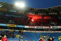 Fotball , 22. mars 2013 , VM-kvalifisering , Norge - Albania<br />  0-1<br /> World Qual , Norway - Albania<br /> illustrasjon bengalsk lys , publikum , flammer , fyr , tribune , tribuner