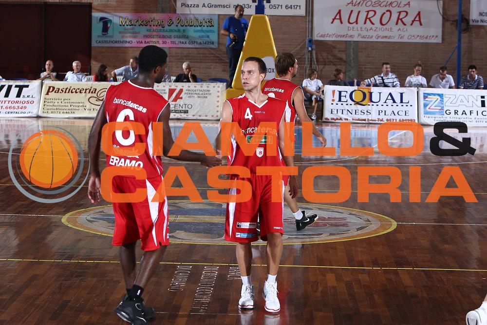 DESCRIZIONE : Castelfiorentino Lega A 2009-10 Basket Torneo V. Martini Virtus Bologna Bancatercas Teramo<br /> GIOCATORE : Ryan Hoover Bobby Jones<br /> SQUADRA : Bancatercas Teramo<br /> EVENTO : Campionato Lega A 2009-2010 <br /> GARA : Virtus Bologna Bancatercas Teramo<br /> DATA : 12/09/2009<br /> CATEGORIA : esultanza<br /> SPORT : Pallacanestro <br /> AUTORE : Agenzia Ciamillo-Castoria/C.De Massis