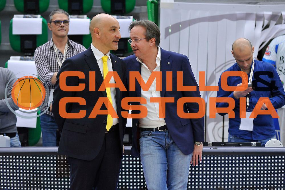 DESCRIZIONE : Beko Legabasket Serie A 2015- 2016 Dinamo Banco di Sardegna Sassari - Manital Auxilium Torino<br /> GIOCATORE : Francesco Vitucci Federico Pasquini<br /> CATEGORIA : Ritratto Before Pregame Fair Play<br /> EVENTO : Beko Legabasket Serie A 2015-2016<br /> GARA : Dinamo Banco di Sardegna Sassari - Manital Auxilium Torino<br /> DATA : 10/04/2016<br /> SPORT : Pallacanestro <br /> AUTORE : Agenzia Ciamillo-Castoria/C.Atzori